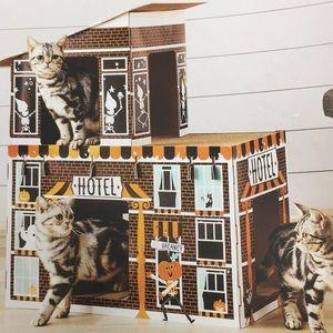 Hyde & Eek Deluxe Haunted Hotel Cat Scratcher
